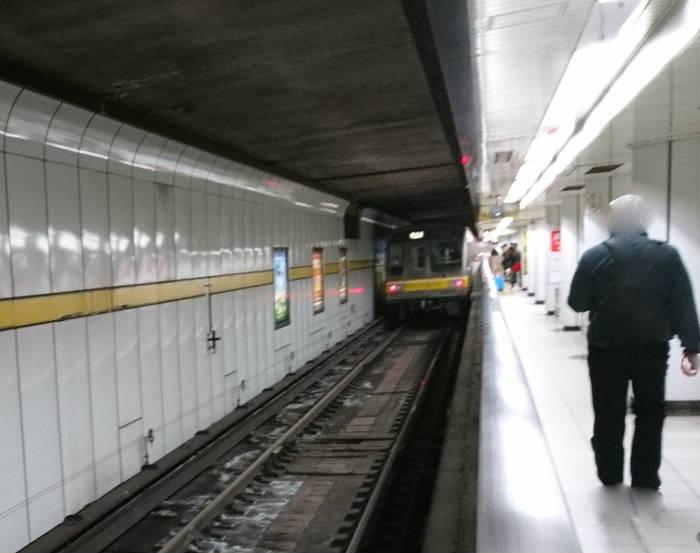 汚い名古屋市営地下鉄