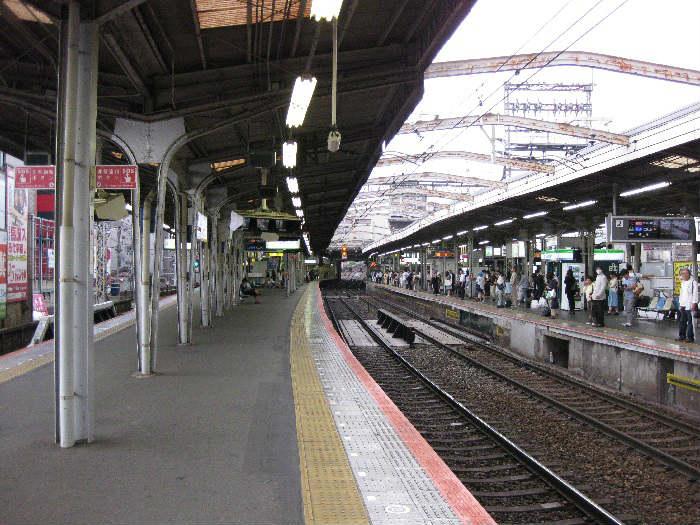 近鉄の鶴橋駅