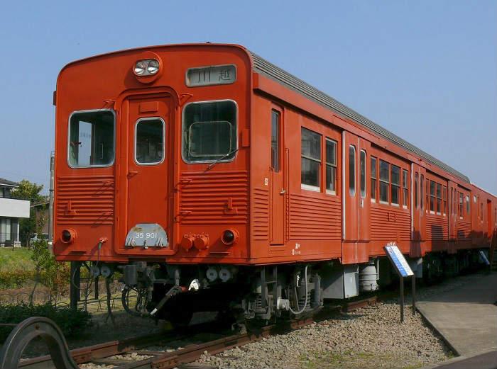 ディーゼルカーの国鉄(非電化単線)