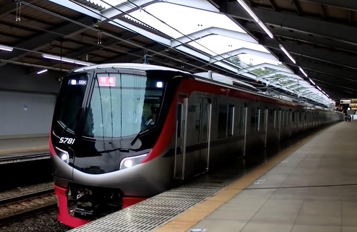 都営新宿線への乗り入れが可能な京王5000系