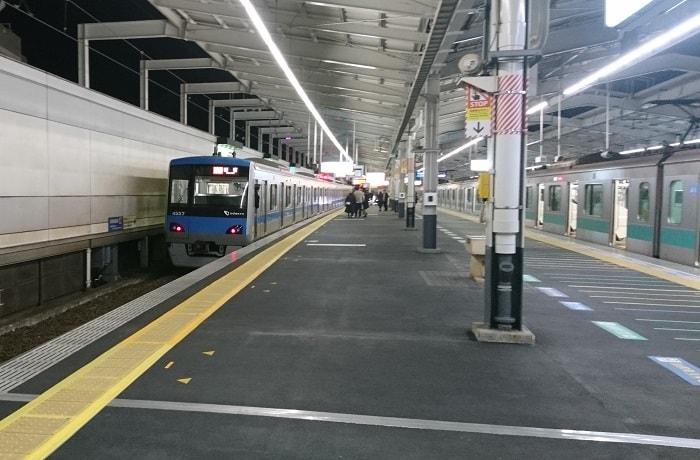 代々木上原から小田急線へ直通する千代田線