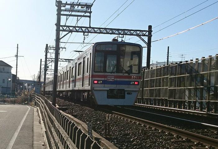 朝の京成押上線