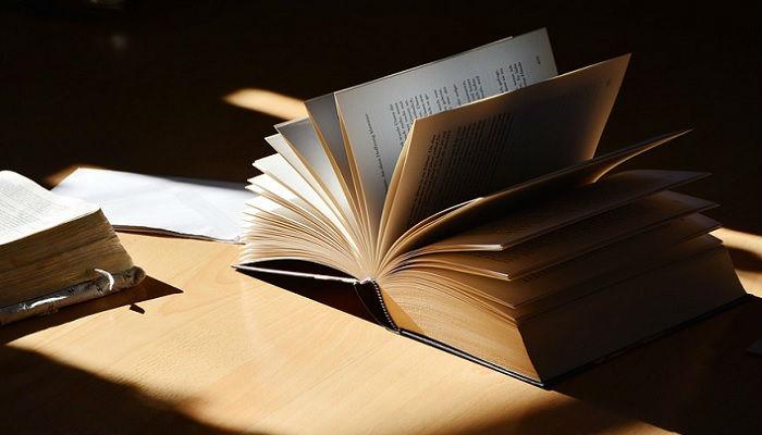 文系中心の事務系の採用