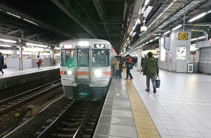 東海道線の朝ラッシュ