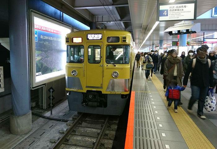夕ラッシュの西武新宿線の急行