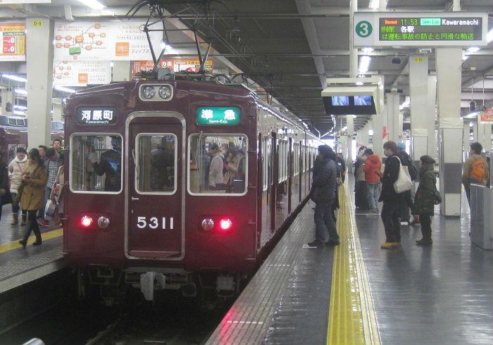 阪急京都線の通勤ラッシュ