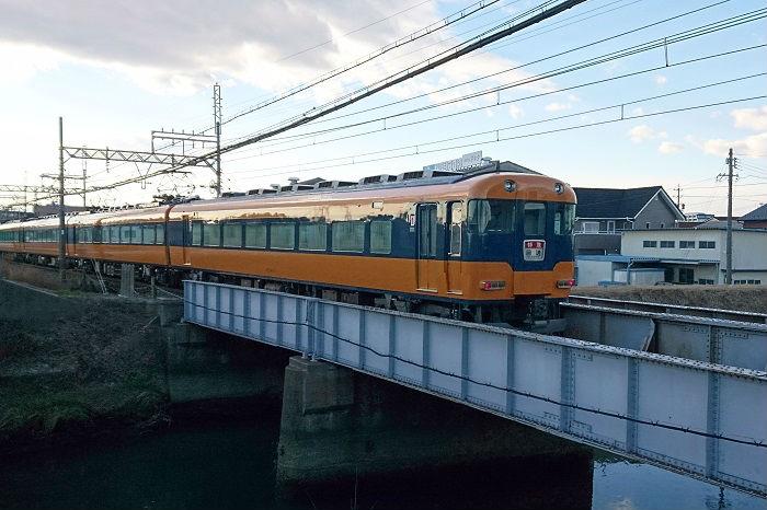 伊勢志摩方面へ向かう近鉄特急
