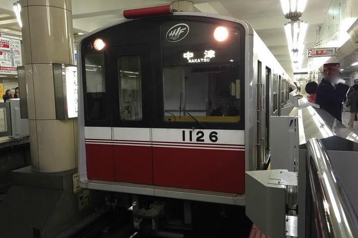 大阪メトロのホームドア