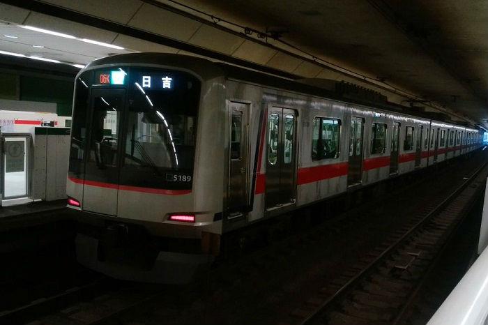 都営三田線の帰宅ラッシュになる夕方・夜の時間帯