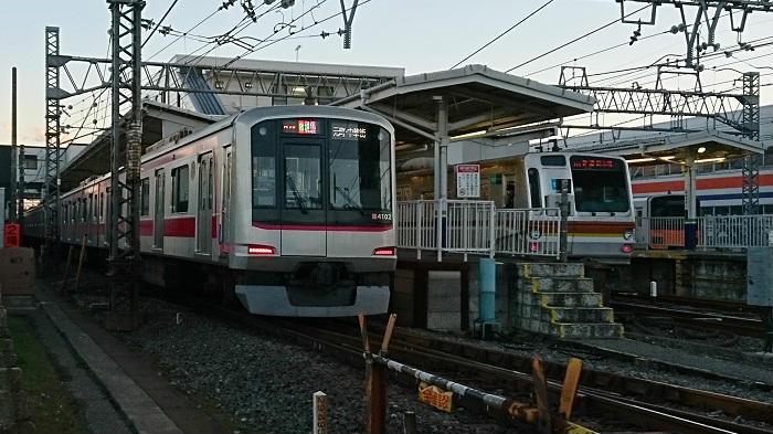 東横線・目黒線と接する日吉駅
