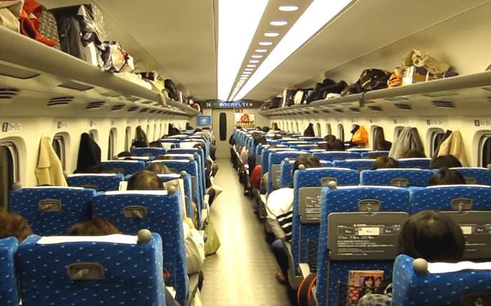 新幹線の自由席に座れない確率