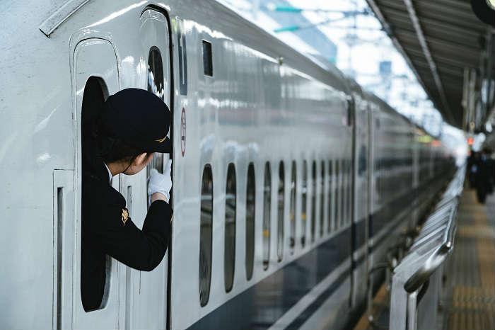 新幹線と在来線特急のグリーン車通り抜け