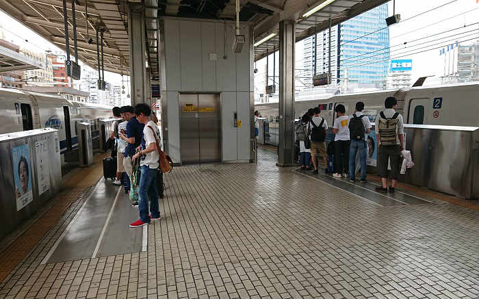 土日祝の名古屋駅時点の自由席