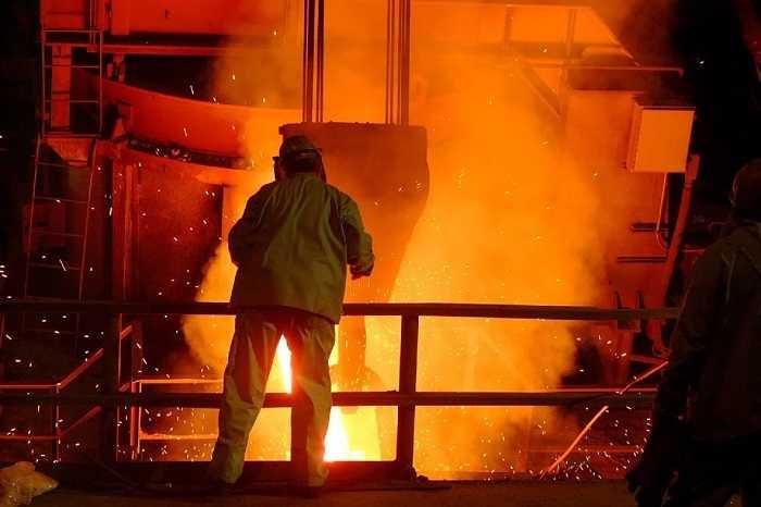 日本製鉄で勤務する技術系総合職の社員