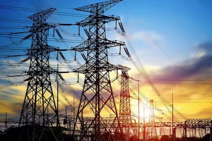 平均年収が約700万円の北海道電力