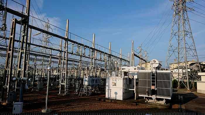 平均年収約750万円の電力会社